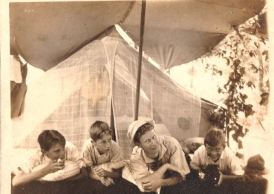 1920s-Hanging in Camp